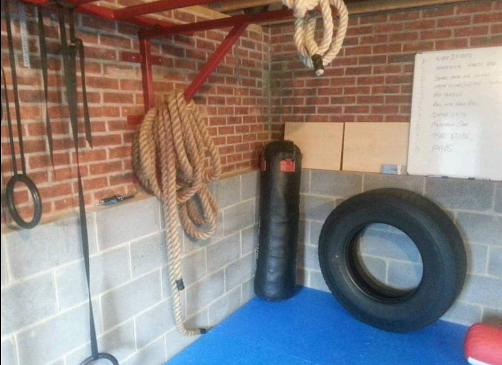 Home garage gym monkey pullup bars in ringwood hampshire