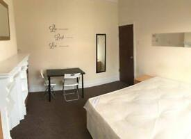 % MASTER DOUBLE ROOMS IN PERFECT LOCATION AVAILABLE NOW %