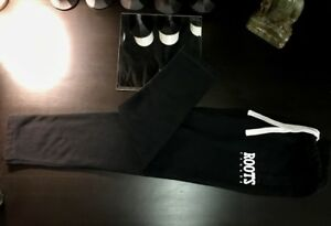 NEW ROOTS Sweats w. Pockets Size XS/S in Black