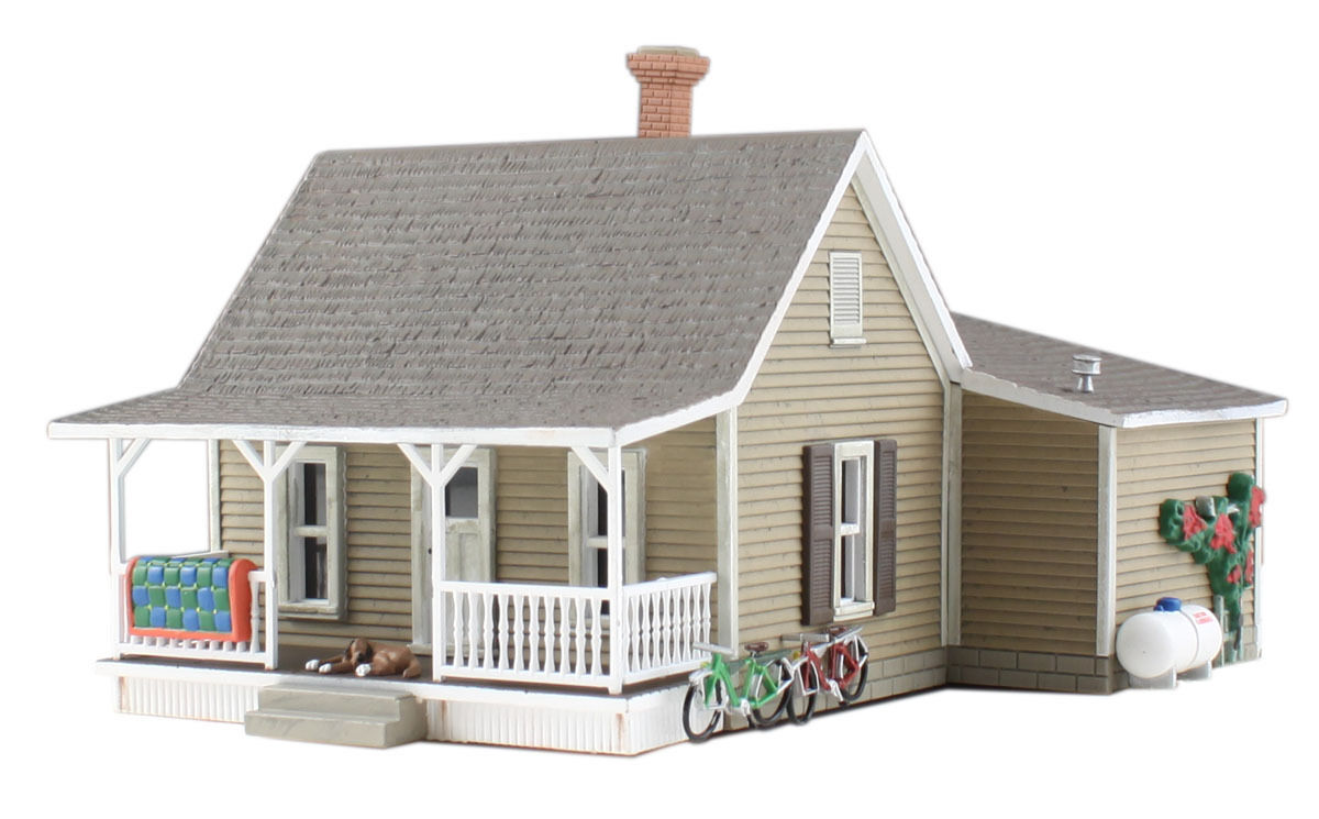 N Scale Granny's House - Woodland Scenics Br4926