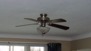 Ceiling Fan with Remote Control!