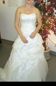 Ella Rosa Wedding Gown