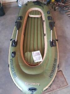 Voyager 500 Paddle Boat (oars, seat inc)