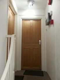 2 Bed Flat to Rent - Totnes High Street