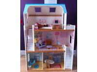 Large Childrens Dolls House in Good Condition