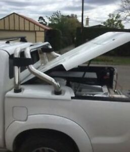 Toyota hilux hard cover Bonnells Bay Lake Macquarie Area Preview