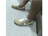 Nike international Pegasus UK6
