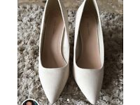 New Look pointed heels