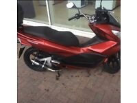 Honda pcx125 with extras