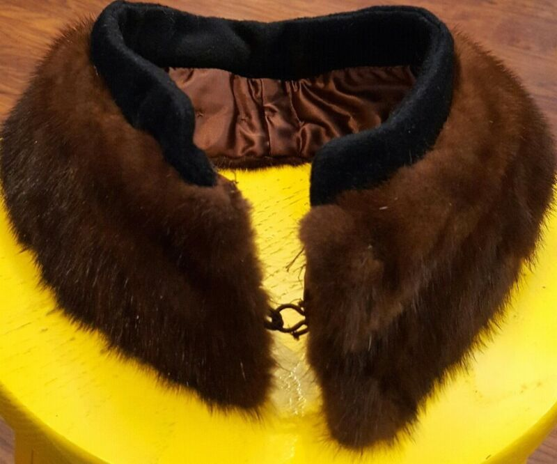 """Vintage Beautiful Mink Fur Collar with Hook and Eye closure 25"""" Length5"""" Width"""