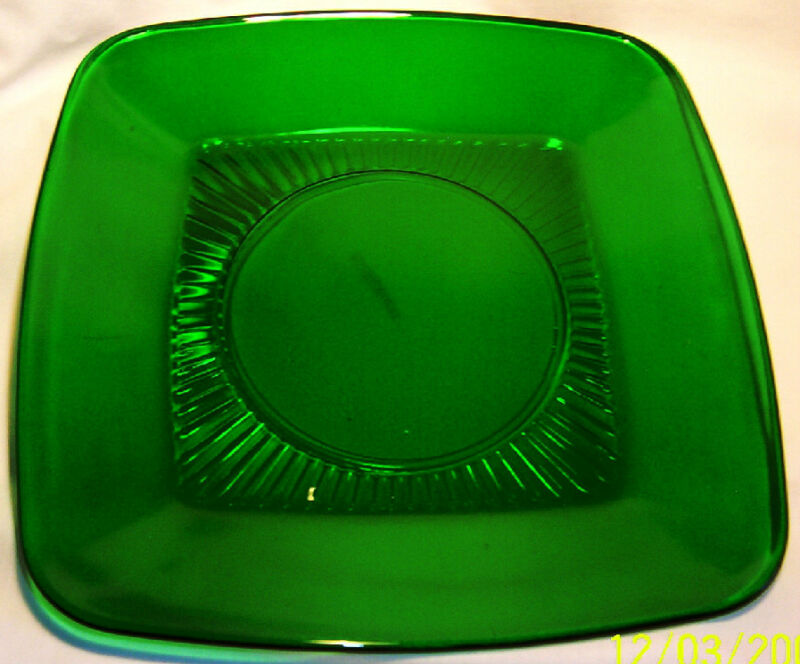 """ANCHOR HOCKING GLASS FIRE KING CHARM FOREST GREEN 8-3/8"""" SQUARE LUNCH PLATE!"""