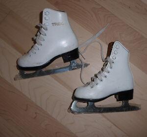 Figure skates, toddler size 7 Kitchener / Waterloo Kitchener Area image 1