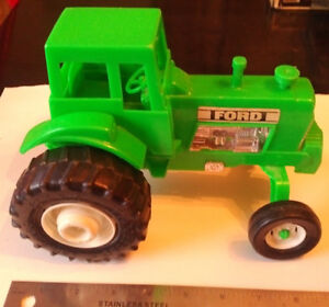 Vintage GREEN FORD TOY FARM TRACTOR Processed Plastic Co USA