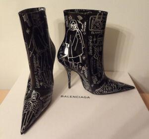 *BNIB* Balenciaga Spike *Tatoo* ankle boots 39