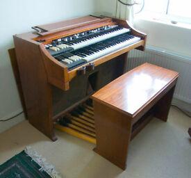 HAMMOND ORGAN / PIANO / KEYS.