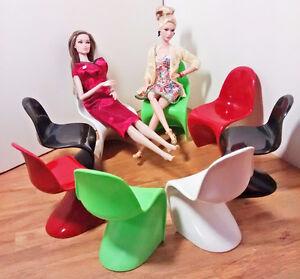Lot 8 Chaises Pantone Échelle Scale Chairs 1/6