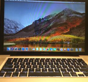 Macpro 15 pouces très bonne condition avec OSX high sierra