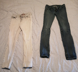 2 Pair of Jeans Size 26-28
