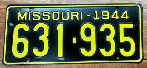 VERY NICE LOOKING ORIGINAL NOS 1944 MISSOURI PASSENGER CAR LICENSE PLATE 631 935