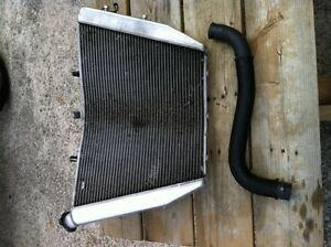 GSXR1000 07-08 COMPLETE RADIATOR AND FAN WITH HOSE Windsor Region Ontario image 5