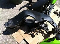 KAWASAKI ZX10R 04-05 FRAME WITH CLEAN TITLE