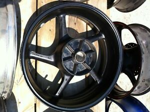 YAMAHA R1 04-06 REAR WHEEL