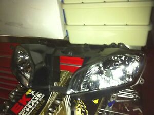 YAMAHA R6 09 COMPLETE SET OF BODY WORK INCLUDING THE FUEL TANK Windsor Region Ontario image 8