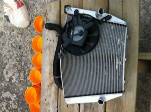GSXR1000 07-08 COMPLETE RADIATOR AND FAN WITH HOSE Windsor Region Ontario image 3