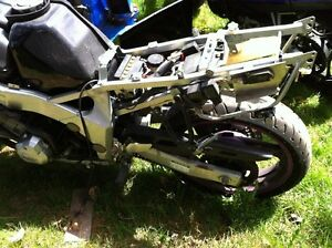 FZR600 YAMAHA 1993 PARTING OUT Windsor Region Ontario image 3