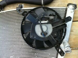 GSXR1000 07-08 COMPLETE RADIATOR AND FAN WITH HOSE Windsor Region Ontario image 2