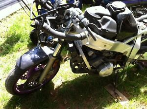 FZR600 YAMAHA 1993 PARTING OUT Windsor Region Ontario image 2