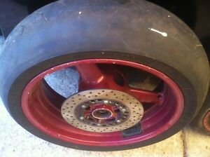 YAMAHA R1 1998-2001 STOCK WHEELS WITH RACE TIRES