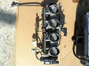 KAWASAKI ZX636R 05-06 FUEL INJECTION RACK AND AIR BOX COMPLETE Windsor Region Ontario image 2