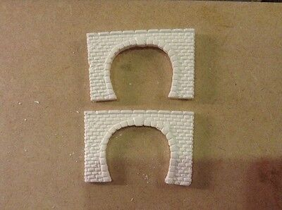 2 X Twin Track Z Scale Tunnel Portals, Unpainted