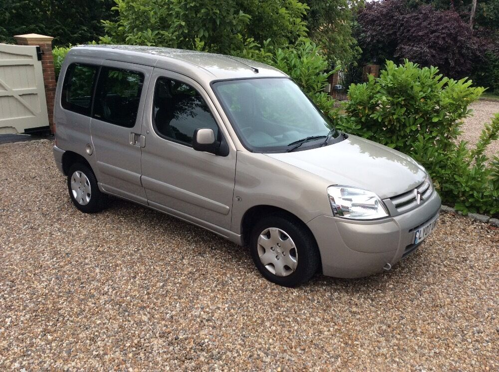 citroen berlingo multispace 1 4 forte 1 owner 20k fsh beige 2007 in ongar essex gumtree. Black Bedroom Furniture Sets. Home Design Ideas
