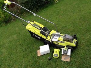 Ryobi Cordless Lawnmower RLM 18 33s40 NEW