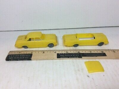 2 VTG LOT MOLDED PLASTIC YELLOW CARS W/ METAL WHEELS LOT 4
