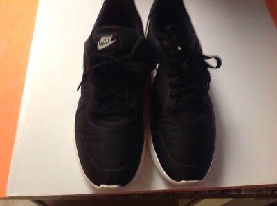 Nike MD Runner 2 Low 844857-010 Black Sail Anthracite Mens US size 11, UK 10