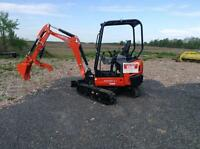 Compact Excavator with Hydraulic Auger For Rent