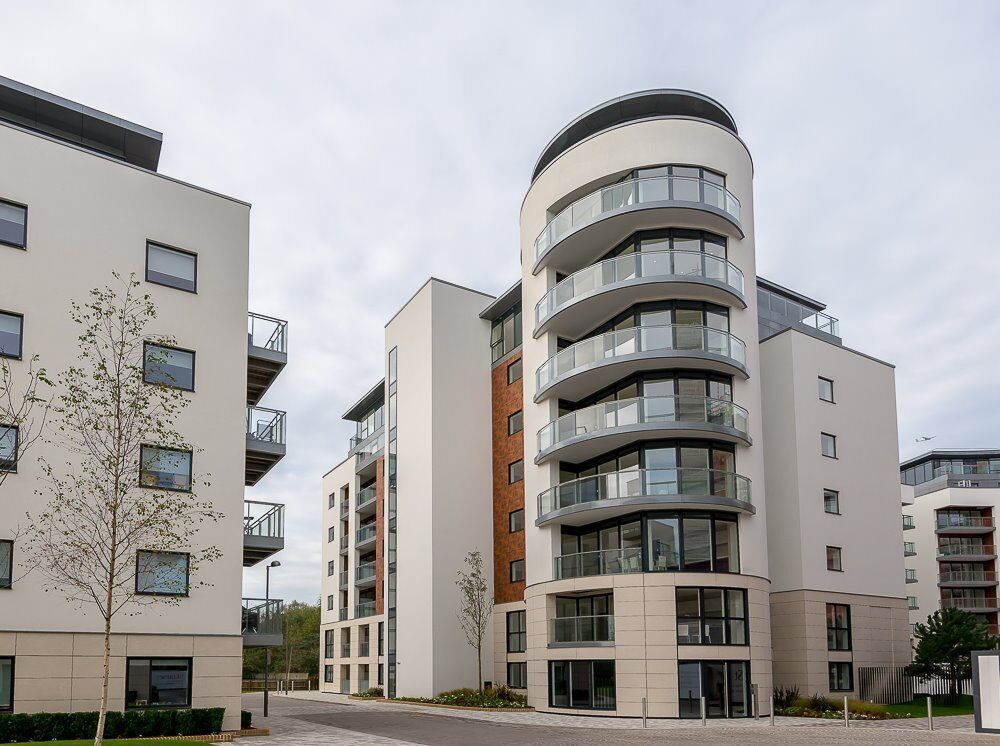 %$£ Don't Miss 2 Bed 2 Bath Ensuite - Gym- Parking Secured 24/7 Furnished - Kew/Richmond TW8 TW9