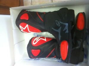 ALPINESTARS RACING BOOTS SIZE 9 OR 43 EUROPEAN BLACK/RED NEW Windsor Region Ontario image 3