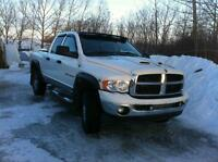 05 DODGE TURBO DIESEL QUAD CAB 4X4 3500