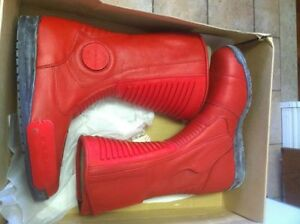 TEKNIC MAGNUM BOOTS RED SIZE 9 NEW IN THE BOX