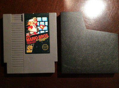 (Super Mario Bros. Original NES Game w/Sleeve  (Nintendo,1985) TESTED/WORKING)