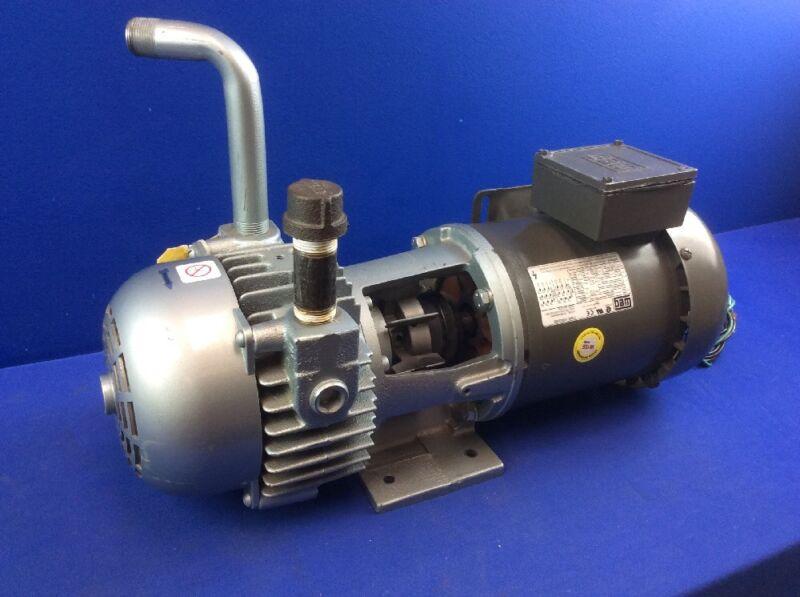 GAST 2067 VACUUM PUMP W/ WEG 3/4HP MOTOR DRIVE 3PH 208-230/480V 60Hz