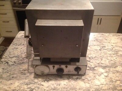 Thermolyne Model F-6125m Furnace Laboratory. Tested. Working. 1425 Watts