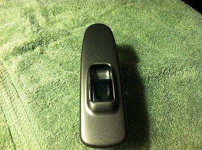 02 04 Isuzu Axion Rear Power Window Switch With Silver Bezel