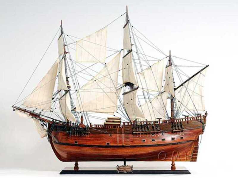 Handmade Wood Ship Model - HMS Endeavour - New - Fully Assembled