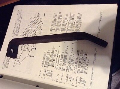 515664r1 - A New Original Brace For An Ih Pc Pcs Rspc Plow Chief Bottoms.