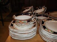 SET DE VAISSELLE CALEDONIA ALFRED MEAKIN 12 couverts